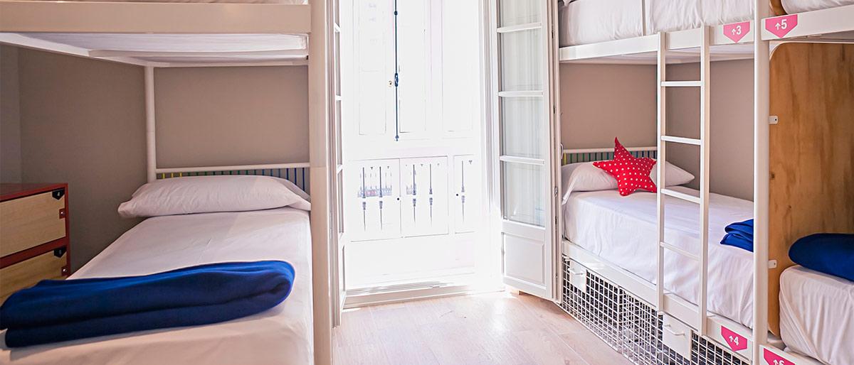 Zimmer für sechs, acht oder zehn Gäste