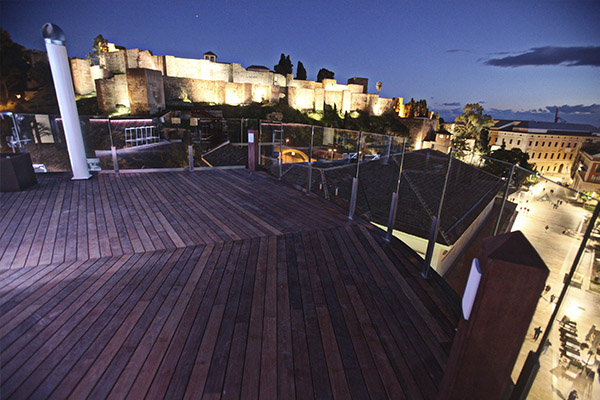 Alcazaba Premium Hostel Rooftop Terrace - Sunset